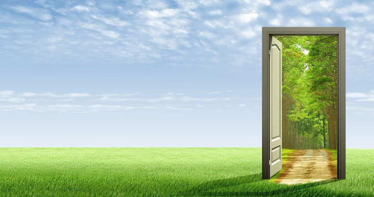 Dvere sú tvárou domu