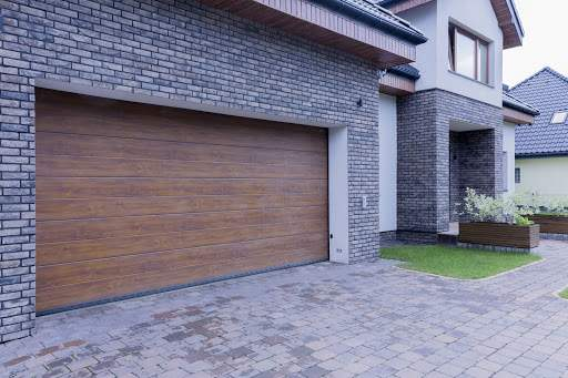 Čo je to garážová brána a na čo slúži?