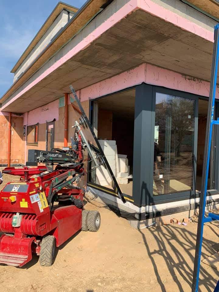 Hydroizolácia pri montáži okien, dverí a posuvných systémov