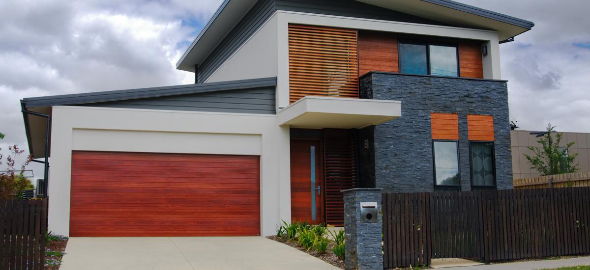 Dom bez garážovej brány je ako okno bez skiel.