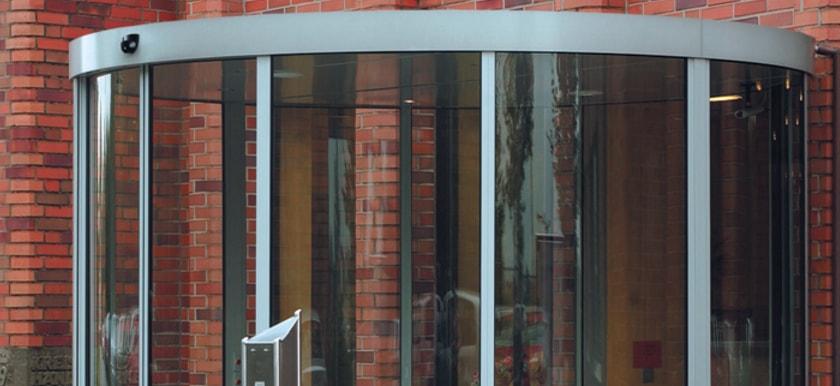Oblúkové automatické posuvné dvere