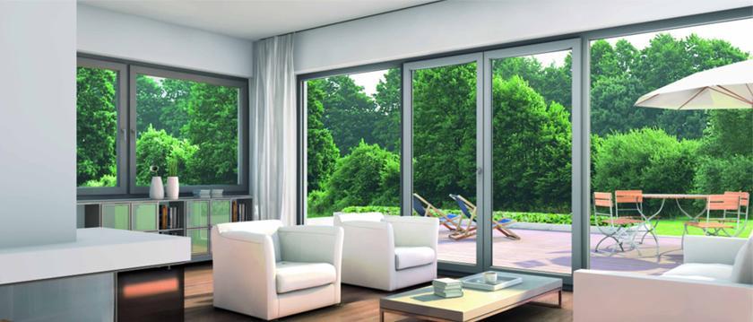 Dokonalé zľadenie obývacej izby s terasou.