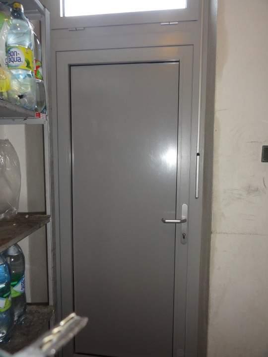 Montáž hliníkových dverí - OMV - Dolný Štál