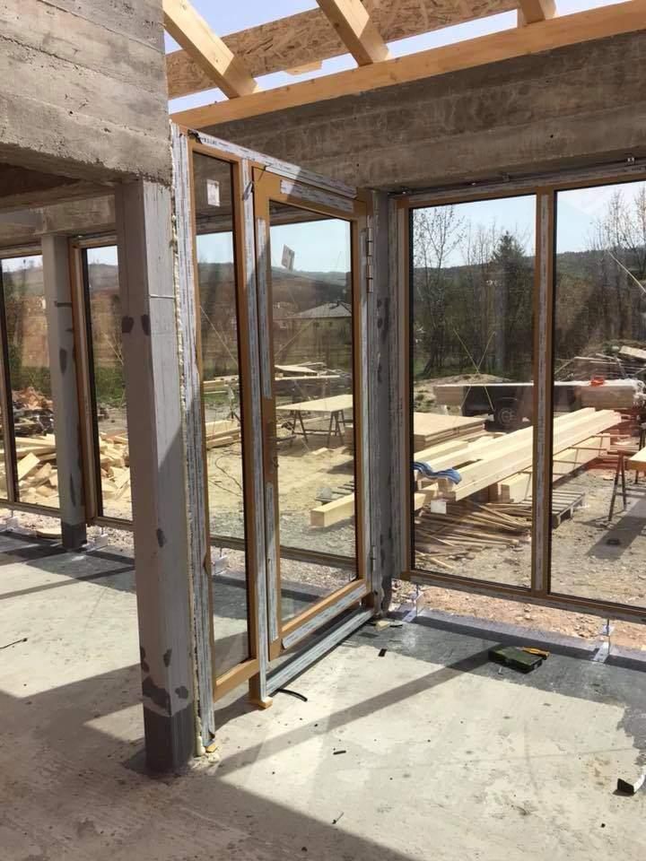 Montáž hliníkových okien a dverí - Jablonové