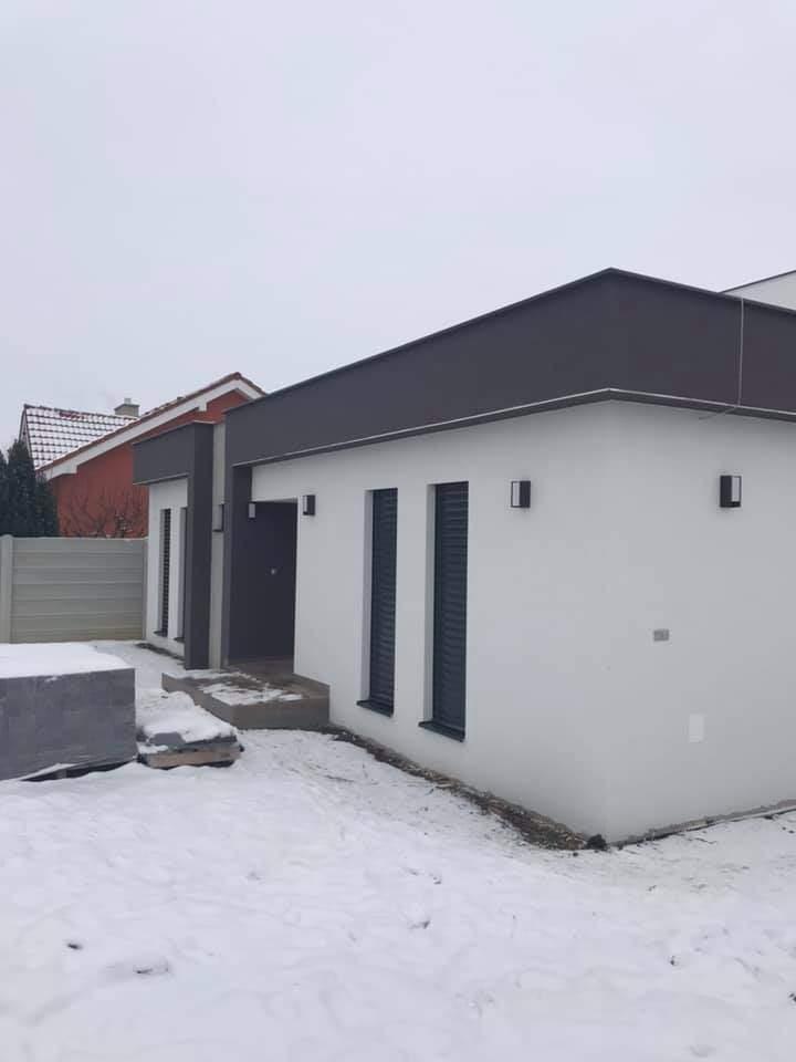 Montáž okien a hliníkových dverí - RD Michal nad Žitavou