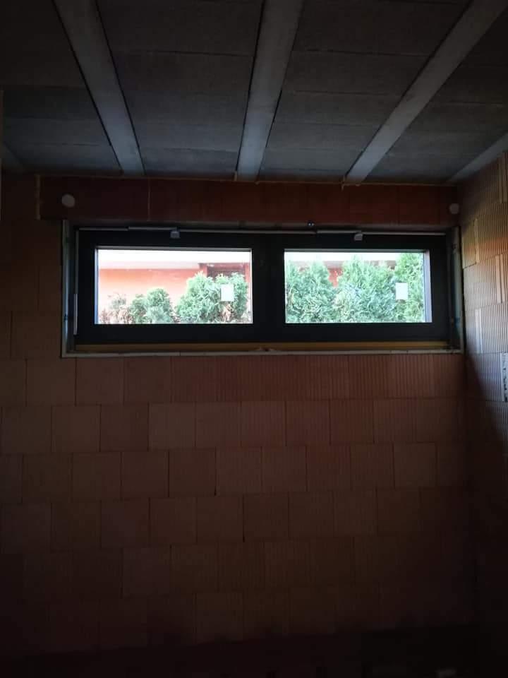 Montáž hliníkových okien a posuvných dverí